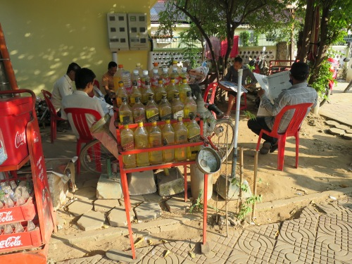 En Camboya sólo en pequeña escala pero, para ello, en todo lo largo y ancho del pais