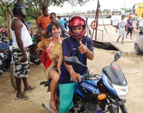 Moto taxi a playa Blanca, Barú, Colombia